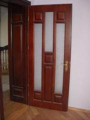 Двері дерев'яні у Львові