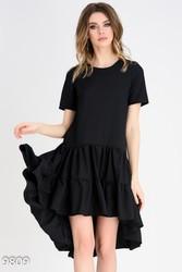 Черное летнее платье с короткими рукавами и присобранной асимметричной